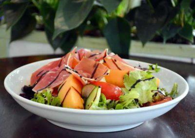 Salade de melon Charentais, jambon Serrano